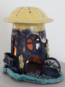 Svampen i keramik av Inga-Lisa Östman