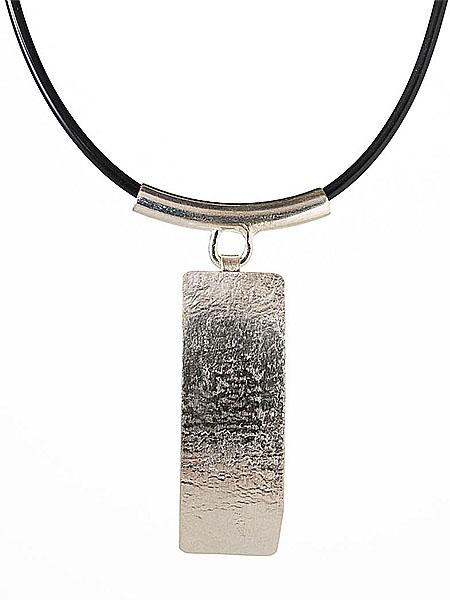 Halsband 2 av Anita Öberg